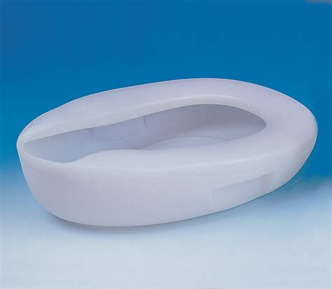 comfortable bed pans bed pan moulded plastic with handles and easy to clean ba7242