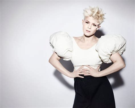 robyn s call your dj robyn announces special remix set planned