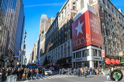 where to go shopping in nyc from boutiques to department the sale calendar for a great shopping in new york