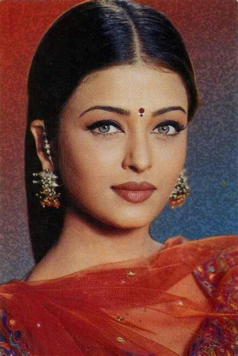 film india terbaru aishwarya rai young pic of india s beautiful popular actress aishwarya