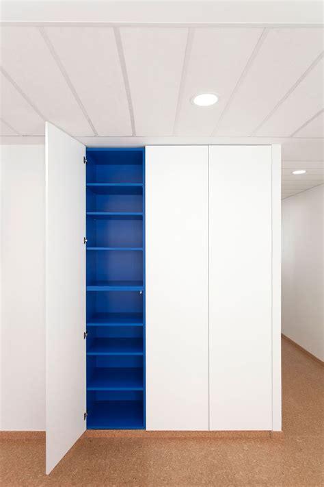 armoire de rangement en bois blanc laqu 233 avec int 233 rieur en