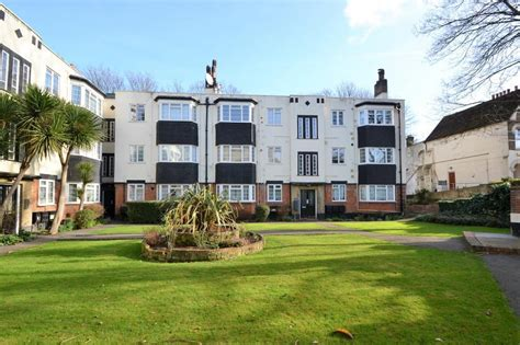 2 bedroom property to rent private landlord 2 bed flat to rent grover court sunninghill road