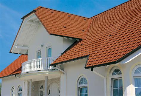 welche fassadenfarbe passt zu roten dachziegeln dachsteine der neuen generation dachsteine eindeckung