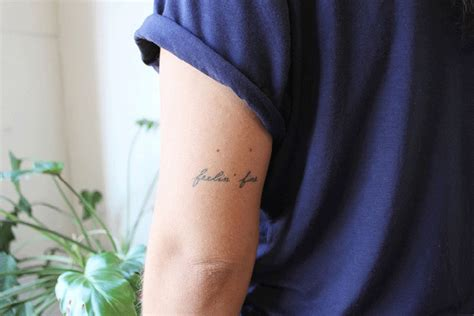 minimalist tattoo book ukraine born tattoo artist stanislava pinchuk inks her