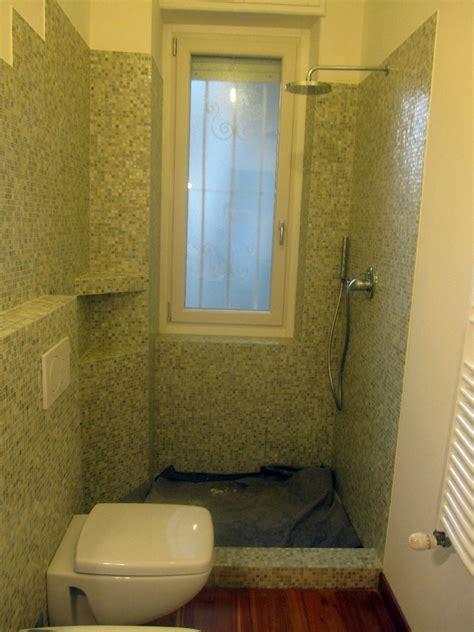 doccia a pavimento mosaico progetto bagno con mosaico bisazza e piatto doccia filo