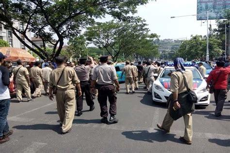 Pancing Di Semarang mengerikan massa demo di semarang pancing kejar kejar