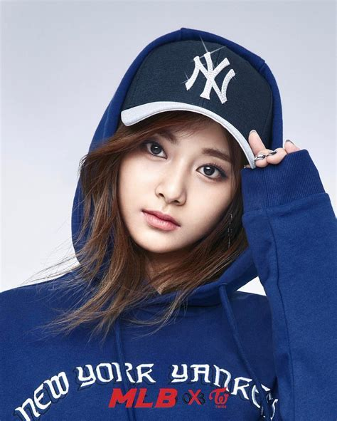 Photo )) TWICE for Spring Collection of 2017 MLB Korea