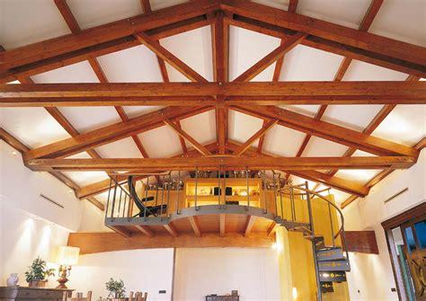 illuminazione tetti in legno casa a due piani interni costantini sistema legno