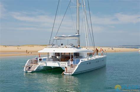 katamaran tekne turu bodrum kiralık lagoon 620 mavi yolculuk turları tekne gulet yat
