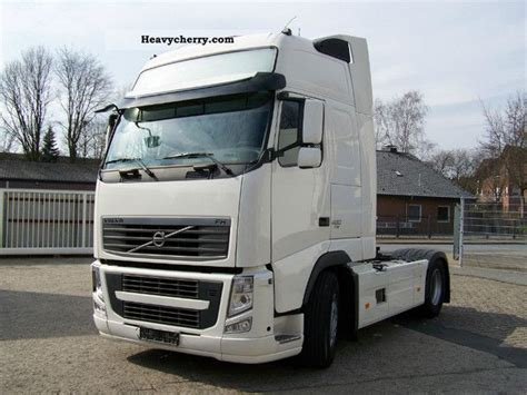 volvo tractor trailer volvo fha3c 2011 standard tractor trailer unit photo and specs