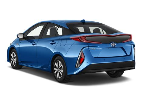 toyota prius toyota exec talks prius prime c hr crossover in new york