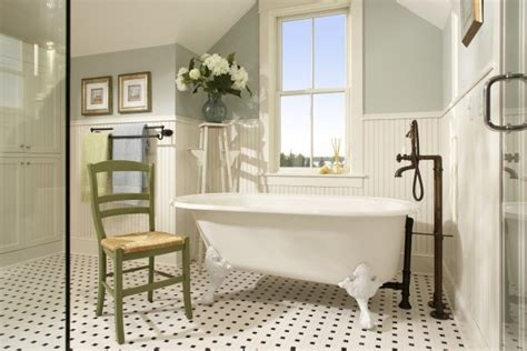 custom wainscoting bathroom picture ideas addicted to crafts boazeria w łazience