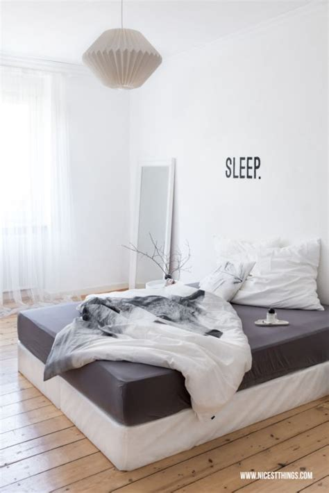 dunkelgraues und weißes schlafzimmer 220 ber 1 000 ideen zu graue schlafzimmer w 228 nde auf