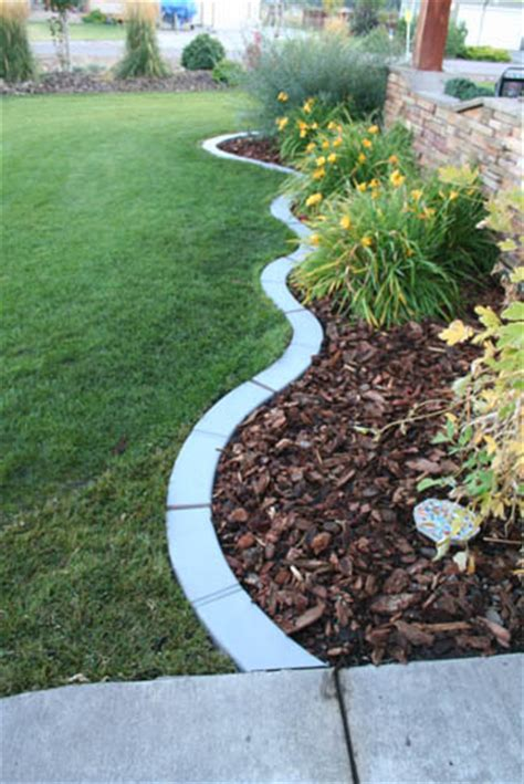 Landscape Edging Connectors 28 Stunning Landscape Garden Edging Products Izvipi