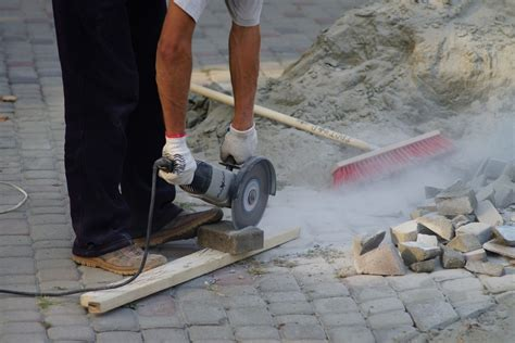 cutting patio pavers 5 easy steps in cutting pavers around accurately