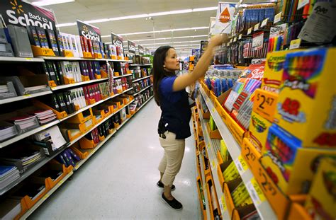 at walmart walmart workers still unsatisfied 7 months after widely