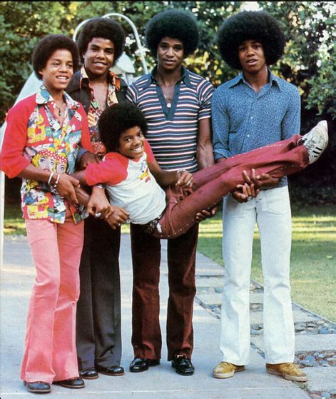 in 1968 the family moved to barlanark and andy and betty stayed in los espejos de michael jackson cristiane cardoso