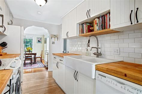 white cabinets with wood floors 47 beautiful country kitchen designs pictures
