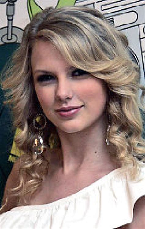country love songs by taylor swift jonas brother may be singing love songs to taylor swift