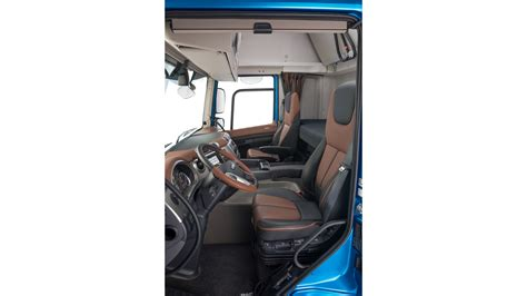 new line upholstery les nouveaux daf cf et xf pure excellence daf trucks