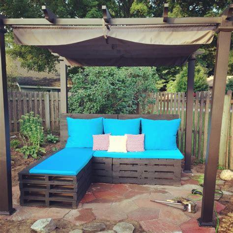panchine in legno per esterni 1001 idee per divani con bancali per interni ed esterni