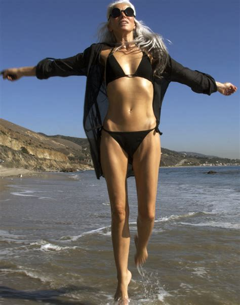 56 year old female body model yazemeenah rossi 60 reveals secret behind toned