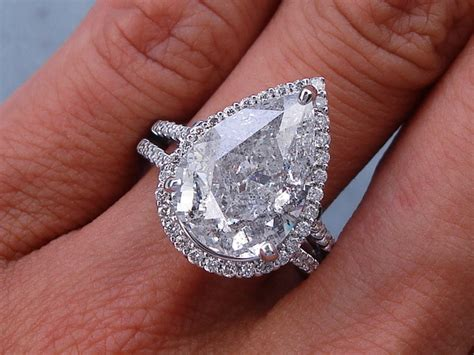 5 63 ctw pear shape engagement ring