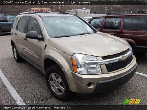 Silver Metallic 2005 Chevrolet Equinox Ls With Light Gray