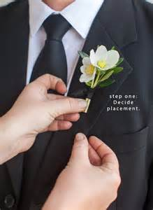 how to pin a boutonniere tutorial with la fleuriste