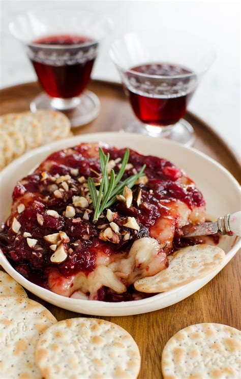 holiday appetizer recipe baked brie with cranberry sauce