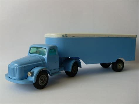 excellent condition volvo international transport tekno  denmark vintage toys volvo