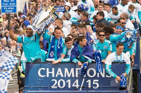 chelsea parade chelsea stars celebrate with premier league trophy in