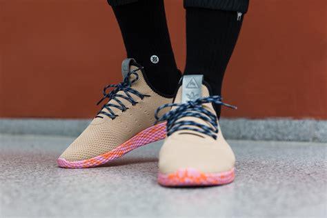 Adidas Nmd Hu X Pharrel William Cloud Mood Sepatu Jaln Pria Premium pharrell x n e r d x nmd trail human race adidas bb7603