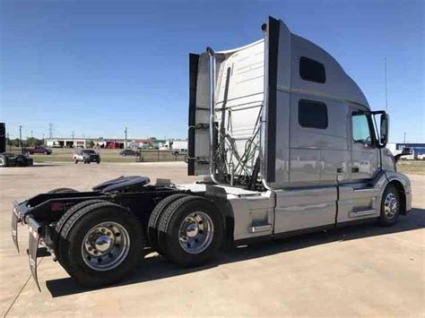 2016 volvo big rig volvo 780 2016 daycab semi trucks