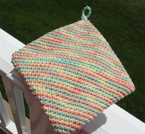 pattern for magic crochet pot holders hooked on needles crocheted cotton hotpad potholder