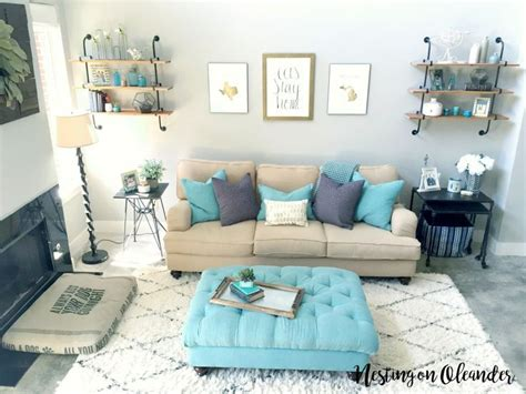 Turquoise And Beige Living Room by Best 25 Living Room Turquoise Ideas On Family