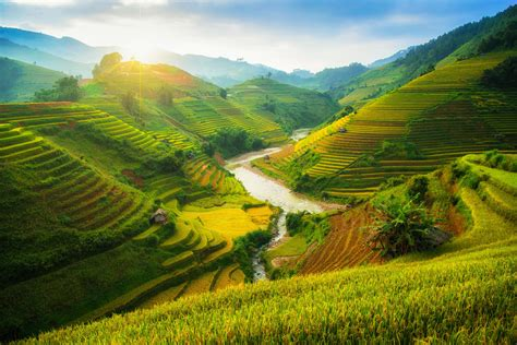 time  visit vietnam
