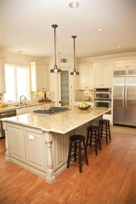 Warm White Kitchen Cabinets Best 25 Warm Kitchen Ideas On Pinterest Cottage Modern Kitchens Wood Kitchen Countertops And