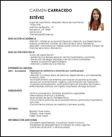 Modelo De Curriculum Vitae Para Rellenar En Español Modelo Curriculum Vitae Cuidador Ejemplo Cv Livecareer