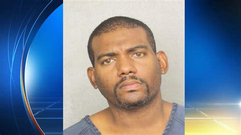 caught masturbating in bathroom man caught masturbating in park bathroom says he paid children