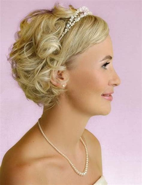 curly hairstyles glamour 16 great bridesmaid hairstyles for women pretty designs