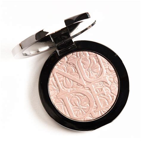 Wet Wild Comfort Zone Dior Glowing Pink Diorskin Air Illuminating Powder