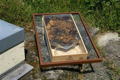 solar wax melter the hive building a solar wax melter corujas blog beekeeping