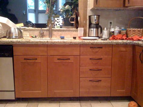 Kitchen Cabinet Hardware Placement by Placement Of Kitchen Cabinet Handles Home Design Ideas