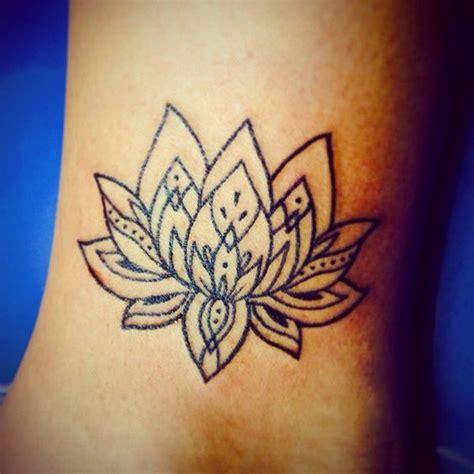 tattoo mandala caviglia 55 bei disegni lotus tatuaggio tatuaggi e piercing