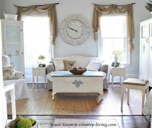 How To Wrap Curtains Around Curtain Rods Diy Curtains I Love This Rustic Farmhouse Window Idea