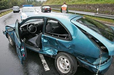 Motorradversicherung In Frankreich auto unfall im urlaub in italien und frankreich kracht es