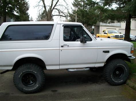 jeep bronco white ford bronco lifted white pixshark com images