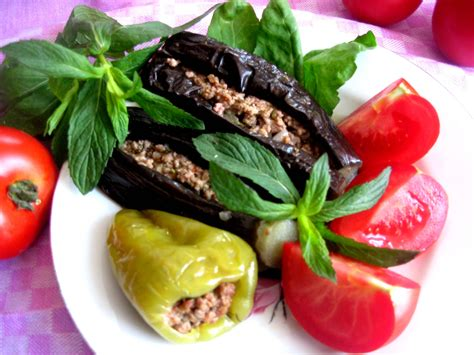 dolma wikipedia file azerbaijan dolma ubergine pepper jpg wikimedia commons