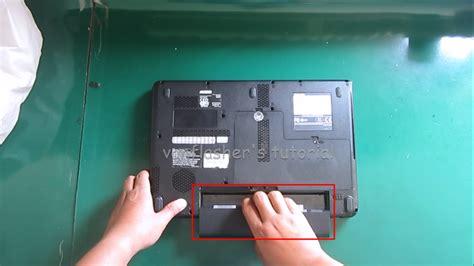 Mengganti Keyboard Laptop Toshiba melepas dan mengganti keyboard toshiba l510 l515